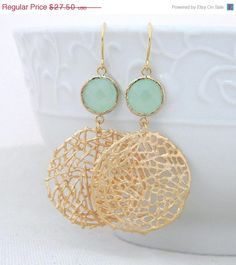 Gold Statement Earrings with Mint Green Jewels- Large Gold Dangle Statement Earrings-Gold Mesh Circle Earrings- Geometric Statement Earrings - Schmuck - Etsy Jewelry, Gold Jewelry, Jewelry Accessories, Fine Jewelry, Handmade Jewelry, Jewelry Design, Jewelry Making, Jewelry Trends, Gold Statement Earrings