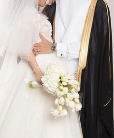 Wedding Couple Photos, Wedding Couples, Cute Couples, Wedding Dress With Veil, White Wedding Dresses, Couple Photography, Wedding Photography, Wedding Album Design, Arab Wedding