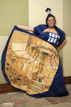 The Greatest Tardis Dress Ever | Cool Cosplay