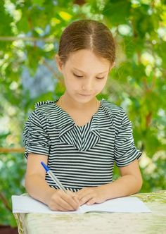How to motivate students to write during summer. http://www.teachhub.com/how-motivate-students-write-during-summer
