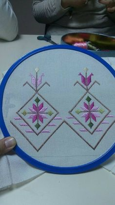 Discover thousands of images about Seda Din Alibaşiç Phulkari Embroidery, Beaded Embroidery, Cross Stitch Embroidery, Cross Stitch Patterns, Embroidery Designs, Huck Towels, Swedish Weaving, Straight Stitch, Vintage Cotton