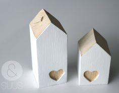 Klein huisje met uitgegutst hartje via Etsy