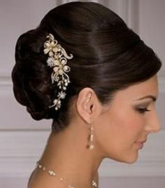 This look could be used for a traditional look or someone with dark hair, choosing the ornamental piece is really pretty!