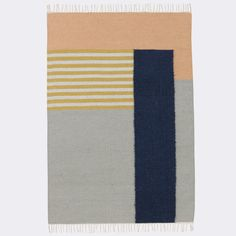 Ferm Living - Kelim Rug White Lines Large - Tapijt - The SHOP Online Herentals Kelim rug with a significant graphic touch and colour palette. The Kelim Rugs are hand made and therefore a slight difference in weaving from rug to rug can occur. The weaving
