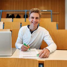 Bachelor-Studiengang Wirtschaftsingenieur am Campus 1 Student, Study Schedule