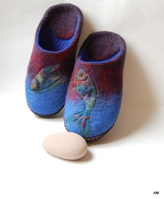 Men wool house shoes-Felted men slippers- Fishes art slippers-gift for Fisherman- Brown denim Blue-9 US by AMdreAM on Etsy https://www.etsy.com/listing/221745591/men-wool-house-shoes-felted-men-slippers