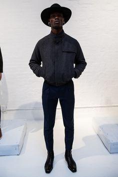 New post on mens-fashion-inspiration Der Gentleman, Gentleman Style, Men With Street Style, Men Street, Stylish Men, Men Casual, Moda Blog, Look Man, Mens Fashion