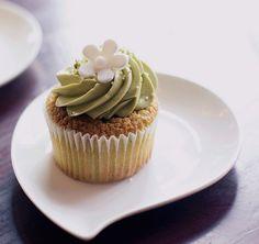 A green tea cupcake from HannaH's! Green Tea Cupcakes, Matcha Cupcakes, All You Need Is, Green Tea Ice Cream, Tiramisu Cake, Herb Butter, Matcha Green Tea, Confectionery, Yummy Food