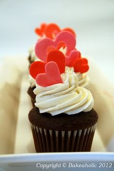 Queen of Hearts Valentine's Cupcakes