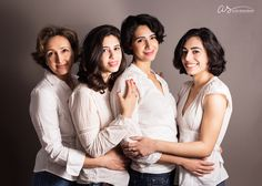 Portrait of a beautiful mother with her 3 grown daughters | Copyright 2016 Aliza Schlabach Photography | Ardmore, PA | ByAliza.com