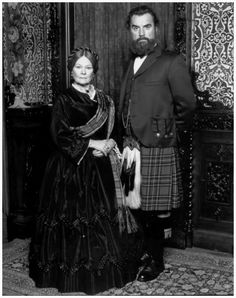 Dame Judi Dench and Billy Connolly in 1997 film 'Mrs Brown' as Queen Victoria and John Brown