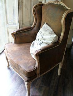 Wunderschöner alter Sessel // Vintage armchair by Schneewittchen via dawanda.com