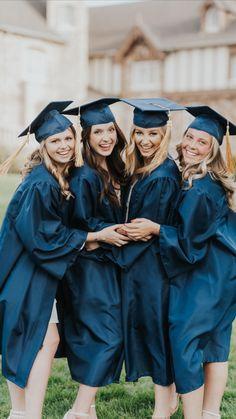 Couple Graduation Pictures, College Graduation Photos, Graduation Picture Poses, Fall Senior Pictures, Graduation Portraits, Graduation Photography, Graduation Photoshoot, Grad Pictures, Grad Pics