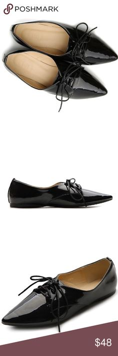 Ollio Patent Black Faux Leather Pointed Oxfords Ollio Patent Black Faux Leather Pointy Toe Oxfords | Womens Oxford Lace Up in Black Pointed toe Faux patent leather Cushioned insole Flat heel * Worn a handful of times - excellent condition Shoes Flats & Loafers