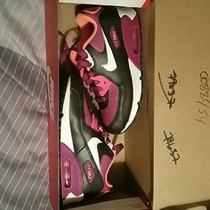 Nike Tennis shoes Little girls Nike Shoes Athletic Shoes