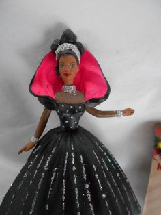 1998 Hallmark African American Holiday Barbie Christmas Tree Ornament 1st In Ser