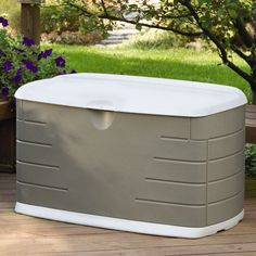 Rubbermaid 75-Gallon Outdoor Storage Box {for outdoor toy storage}