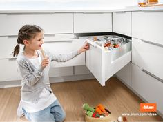 Bespoke Corner drawers can help use every inch of dead space that you'd usually find in standard kitchen sizes Corner Drawers, Corner Storage, Jar Storage, Storage Spaces, Corner Space, Kitchen Storage Solutions, Kitchen Organization, Dressing, Design Your Kitchen