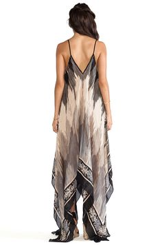 Theodora & Callum Panama Dress em Multi Preto | REVOLVE