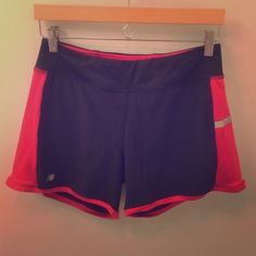 New Balance shorts Has black inner lining (see the last picture) New Balance Shorts