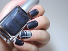 http://marinelovespolish.blogspot.it/2014/07/denim-plaid-nails.html