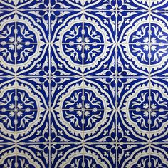azulejos, would make an awesome backsplash for a kitchen
