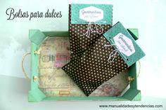 Bolsas de golosinas personalizadas / Personalized candy bags www.manualidadesytendencias.com #candy #bag #Christmas #Navidad #Noël #cadeau #regalo #dulcero #bolsa #paquete #gift #present #paper #papel #papier
