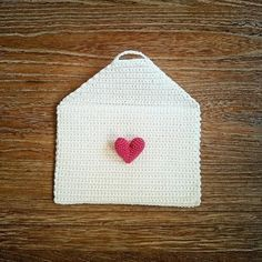 "crochet ""love letter"" purse"