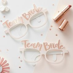 These gorgeous glasses are part of the Team Bride hen party range. The pink paper glasses have a gorgeous rose gold foiled 'Team Bride' design, perfect for a super sophisticated celebration. 'Team Bride' Glasses x Team Bride, Team Groom, Rose Gold Glasses, Bride With Glasses, Heart Glasses, Bridal Glasses, Classy Hen Party, Accessoires Photobooth, Hen Party Decorations