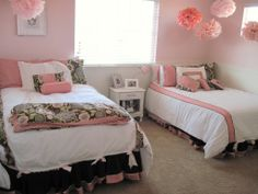 Pink dorm room ideas for girls two beds