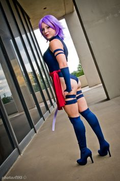 Psylocke cosplay.