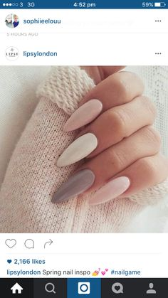 On average, the finger nails grow from 3 to millimeters per month. If it is difficult to change their growth rate, however, it is possible to cheat on their appearance and length through false nails. Pastel Nails, Pink Nails, Matte Pink, Grey Matte Nails, Matte Stiletto Nails, Hair And Nails, My Nails, Uñas Fashion, Daily Fashion