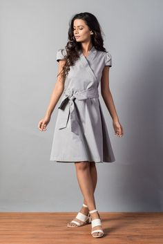 Grey Ruffle Collar Dress   Tuned In Living #tunedinliving #sustainablefashion #sustainableliving #onlineboutique #onlineshopping #cotton #dress #fashion