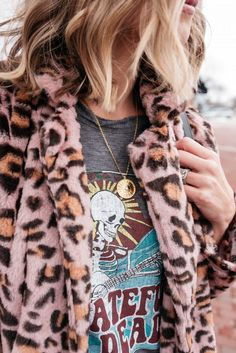 Suzanne of My Kind Of Sweet shares tips for mixing high and low fashion and a budget friendly leopard teddy coat and gucci mule dupes. Winter Fashion Outfits, Trendy Fashion, Autumn Fashion, Womens Fashion, Fashion Trends, Fashion Ideas, Fashion Spring, Fashion Styles, Fashion Clothes