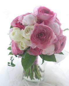 芍薬とラナンキュラスのブーケ 松山、道後温泉へ : 一会 ウエディングの花
