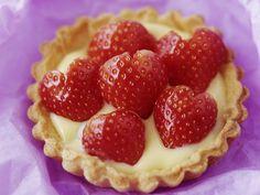 Erdbeertartelett mit Vanillecreme ist ein Rezept mit frischen Zutaten aus der Kategorie Tortelett. Probieren Sie dieses und weitere Rezepte von EAT SMARTER!