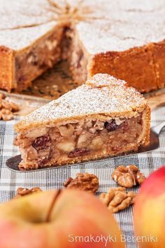 Apple pie with nuts and raisins Cake Recipes, Dessert Recipes, Food Cakes, Fruit Cakes, Raisin, Apple Pie, Sandwiches, Recipies, Food And Drink