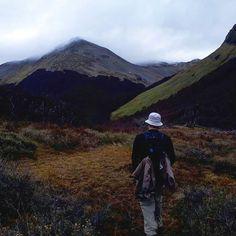 #caminata #trekking #hiking #nature #naturaleza #water #friends #amigos #goodtimes #peace #weekend #photography #canon #ushuaia #mountains #outdoors #field #campo http://tipsrazzi.com/ipost/1516397461097996171/?code=BULU3TnDN-L