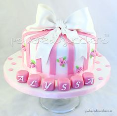 torta battesimo per una bimba con fiocco e roselline Christening cake for a girl with bow and roses