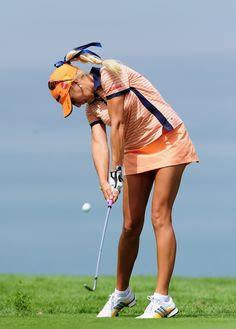 Expert Golf Tips For Beginners Of The Game. Golf is enjoyed by many worldwide, and it is not a sport that is limited to one particular age group. Not many things can beat being out on a golf course o Ladies Golf Clubs, Best Golf Clubs, Golf Clubs For Sale, Girls Golf, Women Golf, Golf Attire, Golf Outfit, Lpga Golf, Sexy Golf
