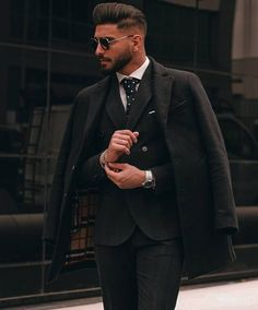 Check ➡️ ⬅️ for more 💎🖤 Fashion Moda, Suit Fashion, Mens Fashion, Modern Fashion, Style Fashion, Stylish Men, Stylish Outfits, Luxury Couple, Portrait Photography Men