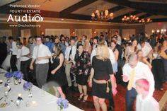 A Chicago Wedding Dj From Fourth Estate Audio Fills The Ious Dance Floor At Evanston Golf