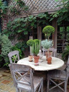 Tips for Buying Teak Garden Furniture ähnliche tolle Projekte und Ideen wie im Bild vorgestellt findest du auch in unserem Magazin . Wir freuen uns auf deinen Besuch. Liebe Grüße Outdoor Rooms, Outdoor Dining, Outdoor Gardens, Outdoor Decor, Patio Dining, Patio Table, Dream Garden, Home And Garden, Garden Spaces