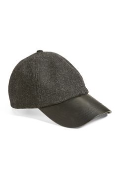 The perfect cap to achieve that cool, casual weekend look.