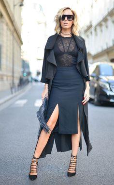 Maeve Reilly: Street Style at Paris Fashion Week Spring 2016 Paris Fashion Week, Winter Fashion, Street Fashion, Fall Outfits, Fashion Outfits, Daily Look, Daily Fashion, Peplum Dress, High Waisted Skirt