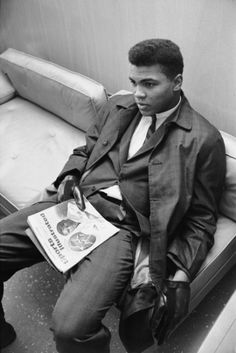 Even Ali had to sit around and wait once in a while.