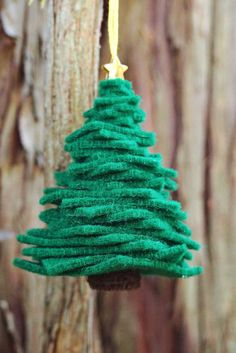 Easy DIY Felt Christmas Tree Ornament. A cute ornament kids can help make as well.