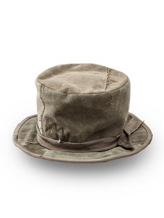 Military green linen 'The Duffle Bag' tophat from Greg Lauren featuring a bow fastening band around the crown. by farfetch Caps Hats, Men's Hats, The Crown, Headgear, Military Green, Hats For Men, Man Shop, Band, Military Jackets