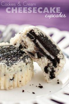 Cookies and Cream Cheesecake (Oreo) Cupcakes. Oreo Cheesecake Cupcakes, Cookies And Cream Cheesecake, Cheesecake Recipes, Cupcake Recipes, Cupcake Cakes, Dessert Recipes, Coconut Cupcakes, Cheesecake Bites, Cupcake Ideas