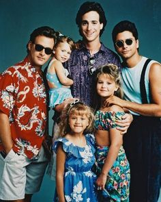 Full House Cast Posed in Blue Background Photo - 20 x 25 cm Full House Serie, Full House Funny, Full House Cast, Full House Tv Show, Full House Memes, Photo Wall Collage, Picture Wall, Rupaul, Tio Jesse